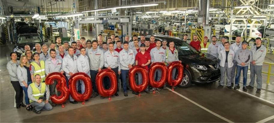 Nissan отпраздновал выпуск юбилейного автомобиля назаводе вСанкт-Петербурге