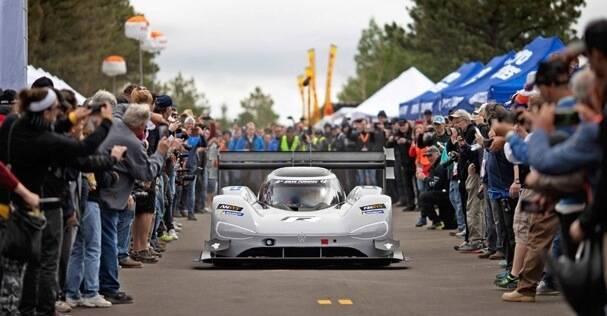 Volkswagen I.D. RPikes Peak готовится кновым рекордам вГудвуде