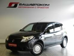 Renault Sandero 2011 г. (черный)