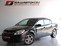 Opel Astra 2009 г. (черный)