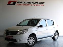 Renault Sandero 2013 г. (белый)