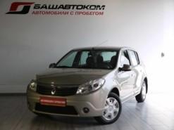 Renault Sandero 2013 г. (бежевый)