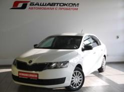 Škoda Rapid 2014 г. (белый)
