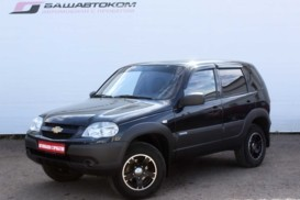 Chevrolet Niva 2012 г. (черный)